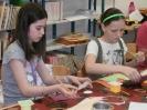 Anyák napi kézműves foglalkozás - Esélyek Házával közös program (2013.04.27.)